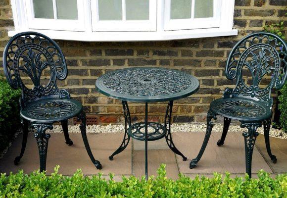 Table - Garden furniture